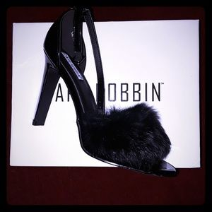 Cape Robbin Black Patent Fur Heels